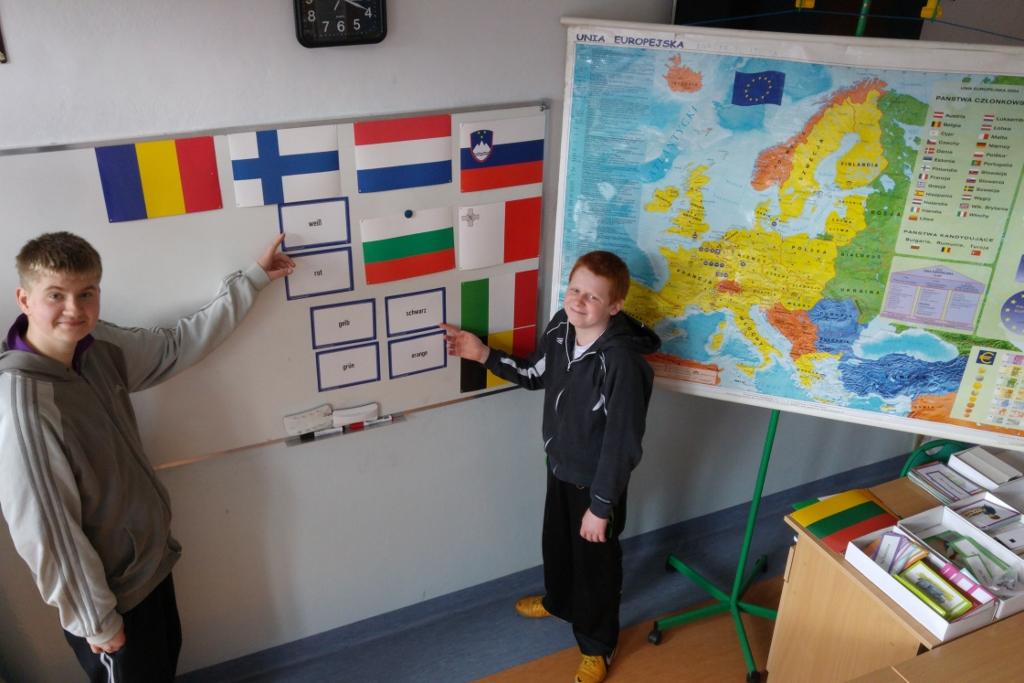 Poszerzanie wiedzy ogólnej uczniów o krajach świata z naciskiem na niemieckojęzyczne i anglojęzyczne w celu przygotowania do konkursu szkolnego