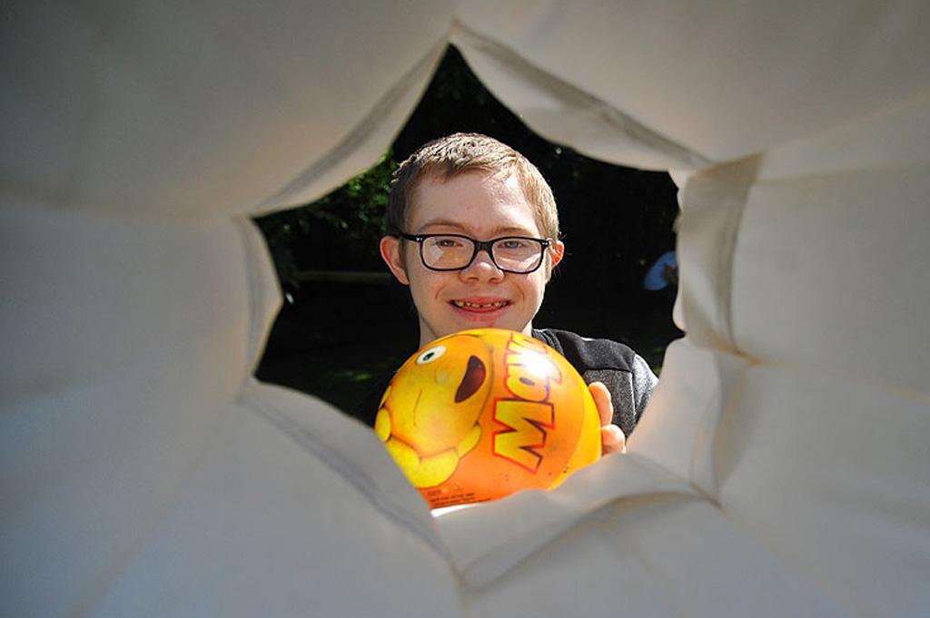 Dzień dziecka w ogrodzie Szkoły Przysposabiającej do Pracy